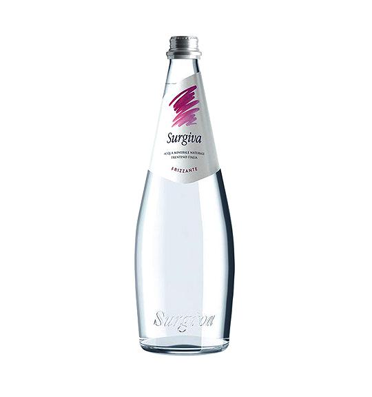 wasser_trinkwasser_gletscherwasser_mineralwasser_surgiva_frizzante_sprudel_kohlensaeure_italien_donpippino