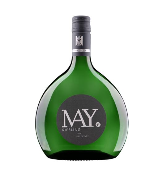 Riesling Retzstadt VDP.Ortswein Rudolf May VDP.Ortswein stammt nur von den besten Weinböden eines Ortes und ist genau deshalb ein Wein für Kenner! In der Nase der Duft von Quitte, Melone und sanftem Apfelaroma. Dieser Wein überzeugt Sie auch durch ein tolles Säurespiel am Gaumen. Zum Ende hin wird er durch mineralische Komponenten abgerundet - auf jeden Fall einer der Gründe der diesen Wein zu einem Ihrer Favoriten machen könnte! Dieser trockene Riesling aus Franken passt perfekt zu... Mild gewürzten Gerichten, weißem Fleisch und noch viel mehr zu leicht gewürztem Fisch!