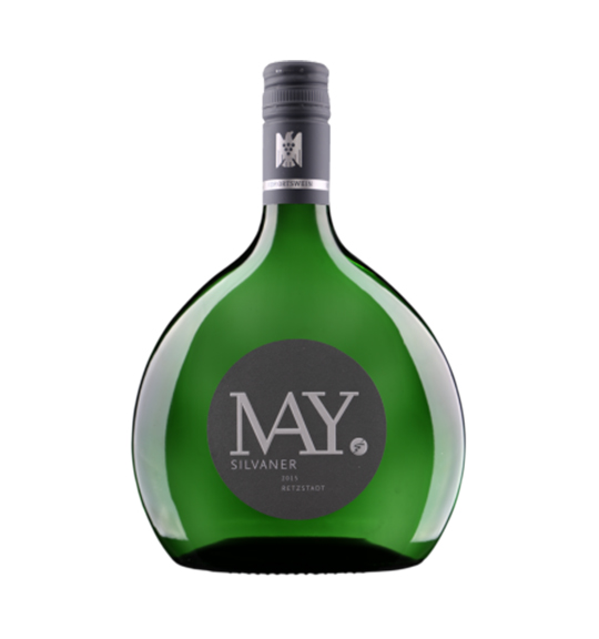 Silvaner Retzstadter VDP.Ortswein Rudolf May Silvaner Retzstadter VDP.Ortswein Rudolf May - VDP.Ortswein stammt nur von den besten Weinböden eines Ortes. In der Nase leicht nussig mit Noten von Birne und leicht mineralischen Aromen. Am Gaumen überzeugt er durch seine Frische und den leichten Geschmack nach Grapefruit gepaart mit wiederum mineralischen Komponenten. Silvaner Ortswein - ist deshalb ein Wein der einfach Spass macht! Dieser leichte Weißwein passt am besten zu... Milden Fisch- und hellen Fleischgerichten sowie zu würziger Pasta. Der perfekte Einstieg in die Welt von Rudolf May gelingt Ihnen mit diesem fränkischen Silvaner im Bocksbeutel!